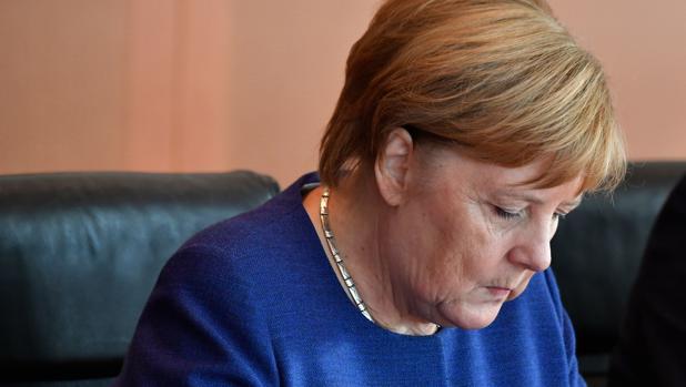 Merkel, debilitada tras perder la presidencia de su grupo parlamentario