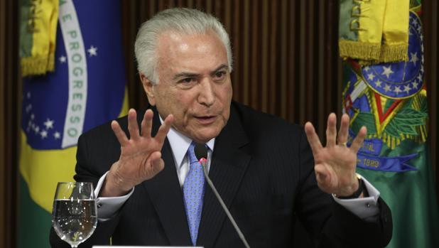 La Fiscalía de Brasil pide al Supremo que frene la investigación por corrupción contra Temer
