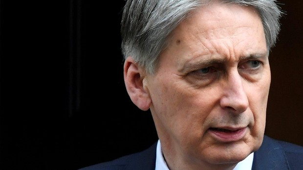 El ministro de Finanzas británico descarta a Boris Johnson como negociador del Brexit