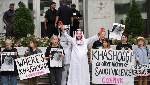 Manifestación de protesta ante la Embajada saudí en Washington