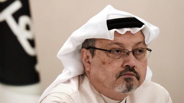 Investigadores entran en el consulado saudí para buscar al periodista presuntamente descuartizado