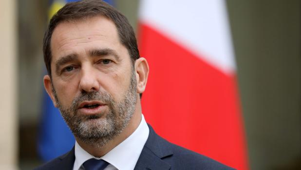 Macron comienza los cambios de gobierno y nombra a Christophe Castaner como ministro del Interior