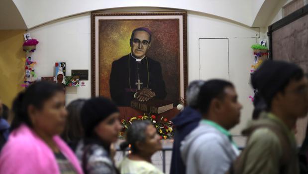 Monseñor Óscar Arnulfo Romero ya es santo, tras ser canonizado en Roma