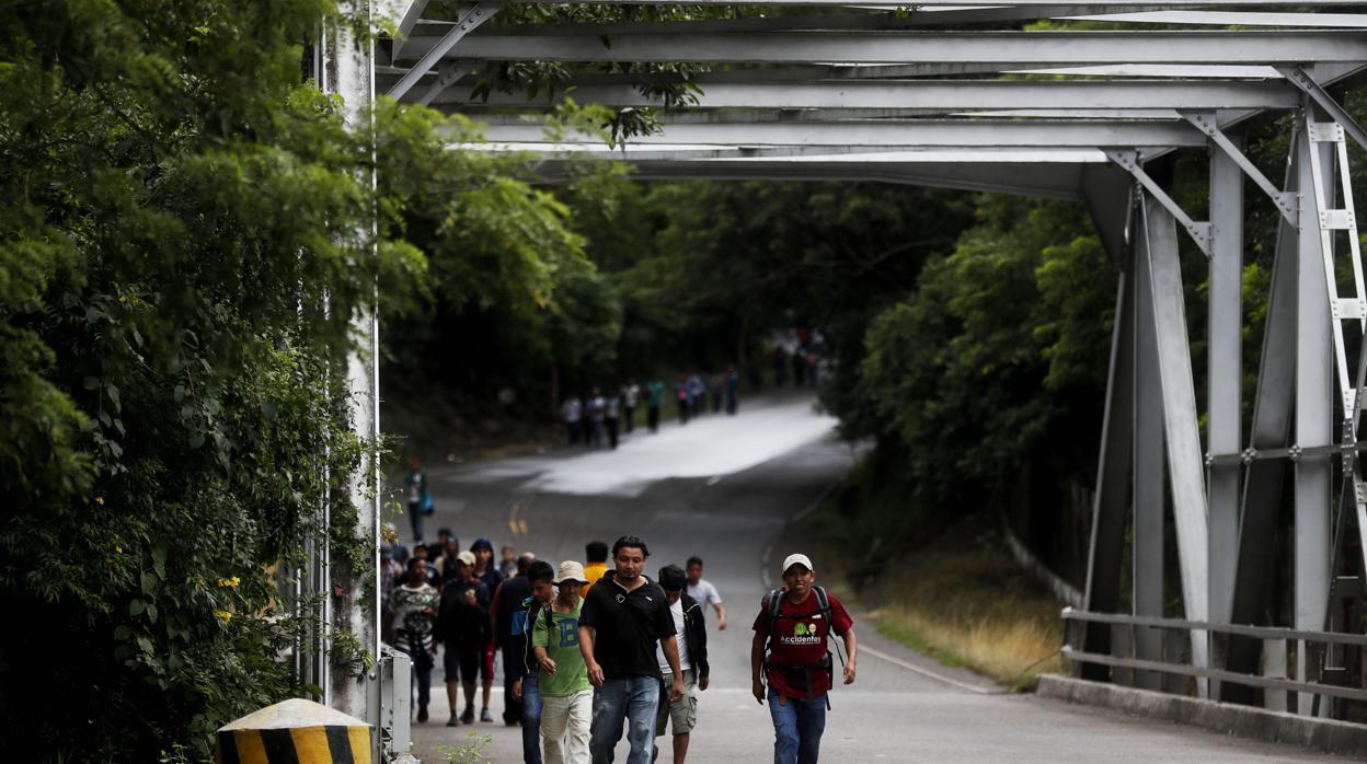 Septiembre, mes récord de familias que cruzan la frontera sur de EE.UU.