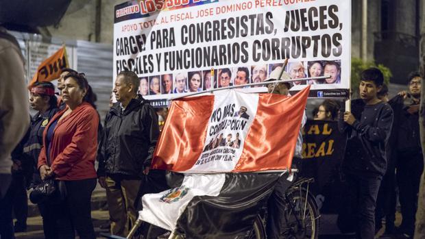 Marcha contra la trama de corrupción encabezada por Hinostroza