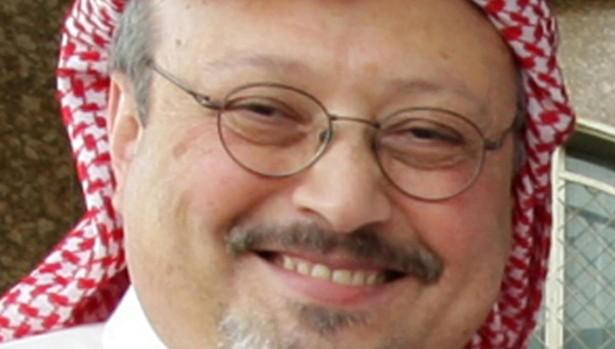 Khashoggi, un periodista cercano a la familia real saudí que cayó en desgracia