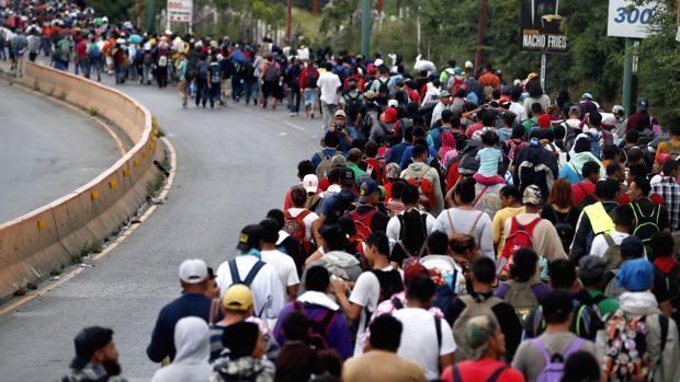¿Por qué los centroamericanos huyen en caravana hacia EE.UU.?