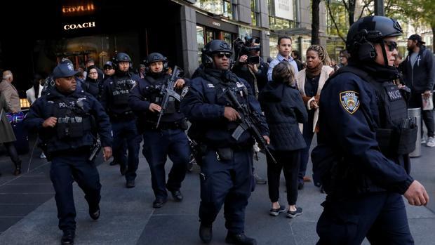 Paquetes bombas: evacuaron las oficinas del Time Warner Center - Mundo