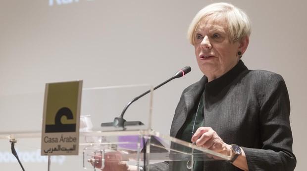 La historiadora británica Karen Armstrong durante su conferencia en la Casa Árabe