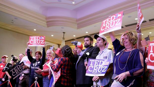 Simpatizantes de Ted Cruz, en la sede de campaña
