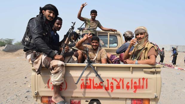 Fuerzas yemeníes progubernamentales, en su avance hacia la ciudad de Hodeida