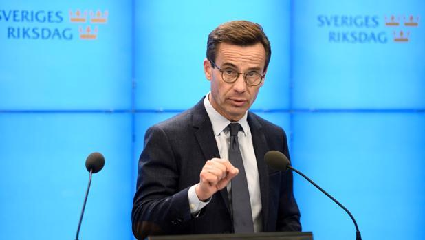 Ulf Kristersson, líder de los conservadores suecos, se dirige a los medios el pasado octubre