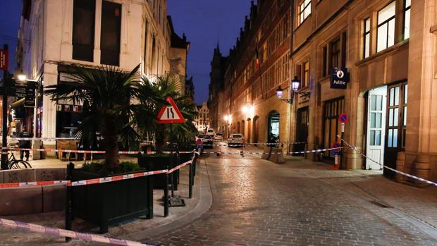 La Policía mantiene acordonado el lugar del suceso en Bruselas