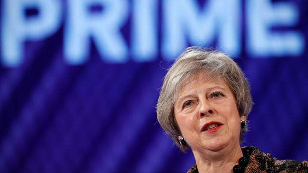 La primera ministra británica, Theresa May, da un discurso en la conferencia anual de la Confederación de la Industria Británica