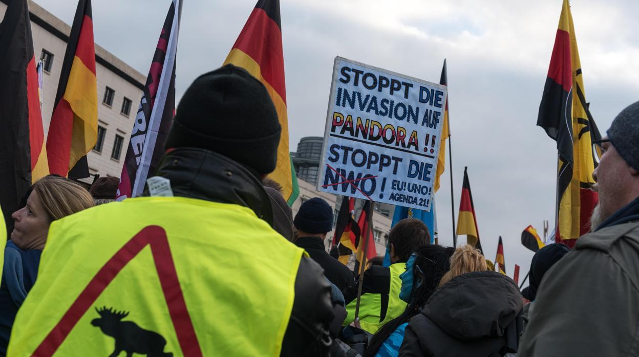 El movimiento de los «chalecos amarillos» se extiende a la Puerta de Brandeburgo en Berlín