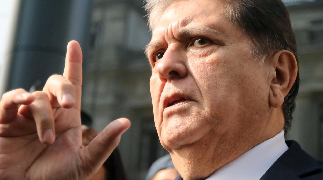 El Gobierno de Uruguay le niega el asilo al expresidente Alan García