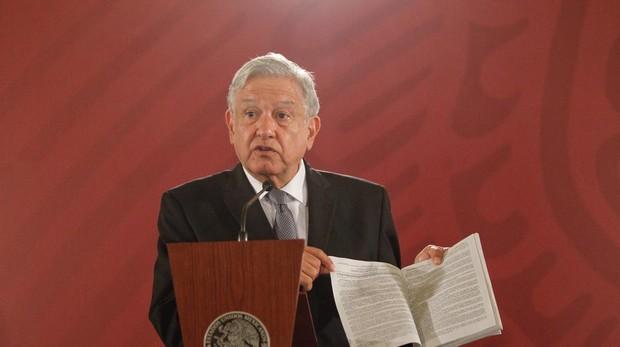 López Obrador autoriza una Comisión de La Verdad para resolver el caso Ayotzinapa