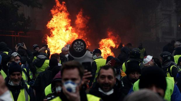 Manifestantes con chalecos amarillos, el pasado sábado en París