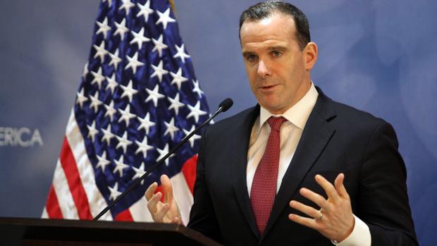 Brett McGurk, habla durante una conferencia de prensa en Amman