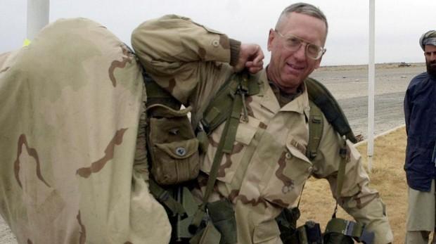 El general Jim Mattis en una fotografía de 2001