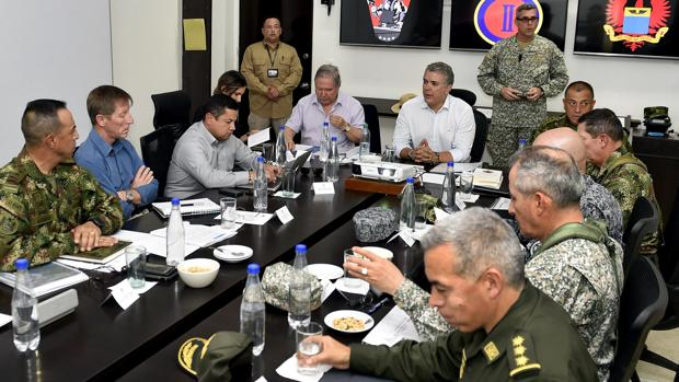 El presidente de Colombia, Iván Duque, y el ministro de Defensa, Guillermo Botero, en el Consejo de Seguridad celebrado este lunes