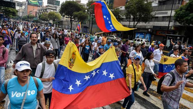 Empieza la gran manifestación en toda Venezuela contra Maduro
