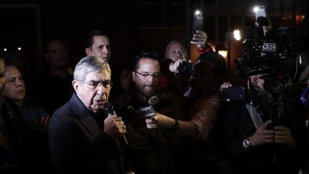 Una activista denuncia por violación al expresidente de Costa Rica y Nobel de la Paz Óscar Arias