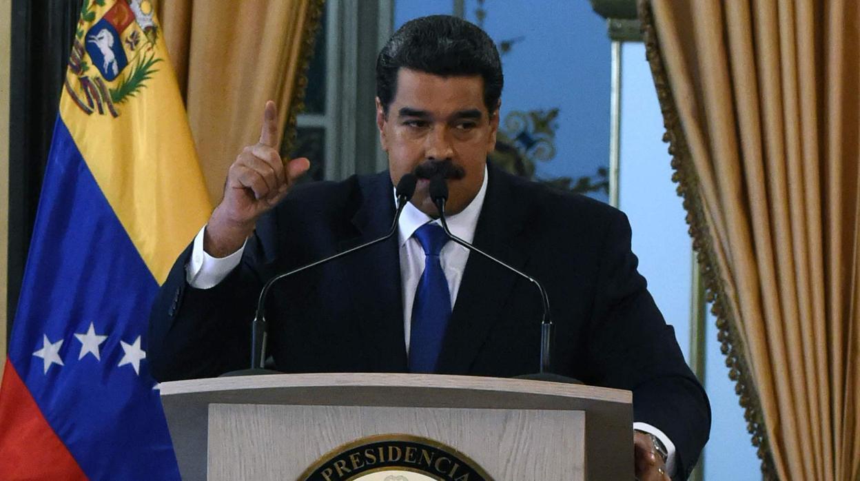 Maduro califica de «show» el envío de ayuda humanitaria a Venezuela
