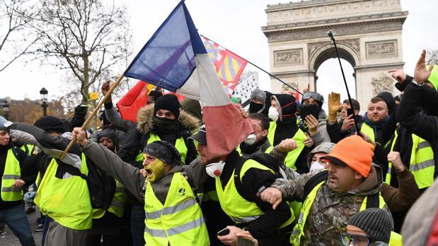 El líder de los chalecos amarillos afirma que hay «paramilitares listos para un golpe de Estado»