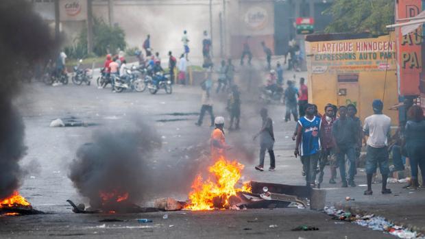 Haití anuncia medidas para bajar la tensión política