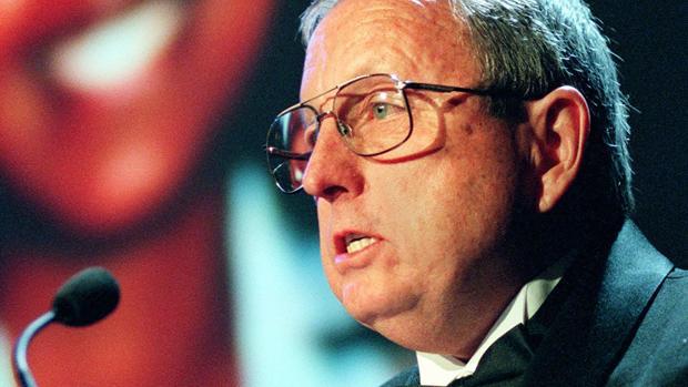 Goodloe Sutton, editor y autor del polémico editorial en apoyo al «Ku Klux Klan»