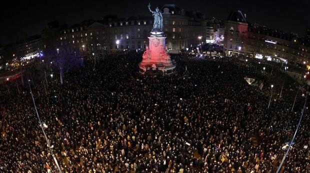 Marchas masivas y silenciosas en Francia contra el antisemitismo