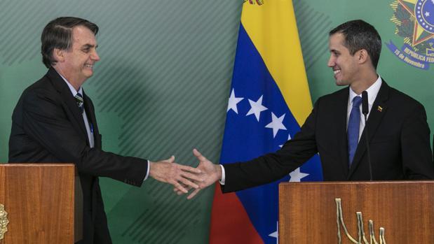 Bolsonaro da su respaldo a Guaidó sin recibirlo con honores de jefe de Estado