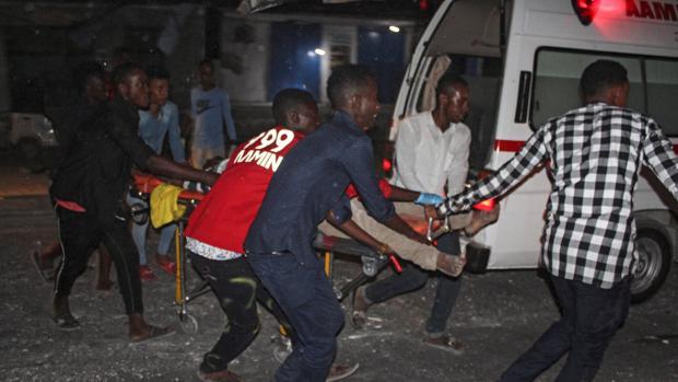 Al menos 23 muertos y 45 heridos en un ataque con camión bomba en Mogadiscio