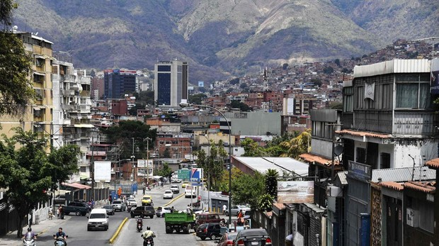 Venezuela anuncia el total restablecimiento eléctrico y reanudación laboral