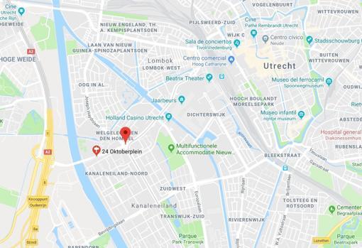 La plaza 24 de octubre, lugar donde ocurrió el tiroteo en Utrecht, Holanda