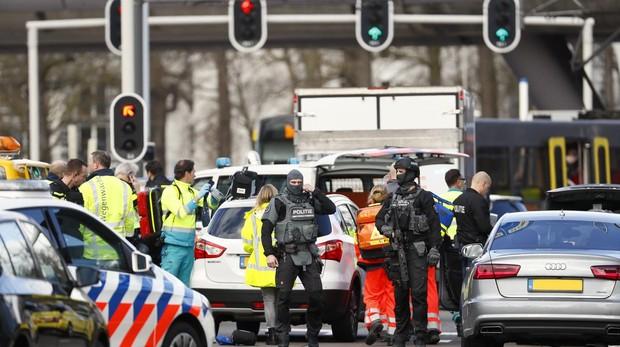 Un tiroteo en Utrecht (Holanda) contra un tranvía deja al menos tres muertos y 5 heridos