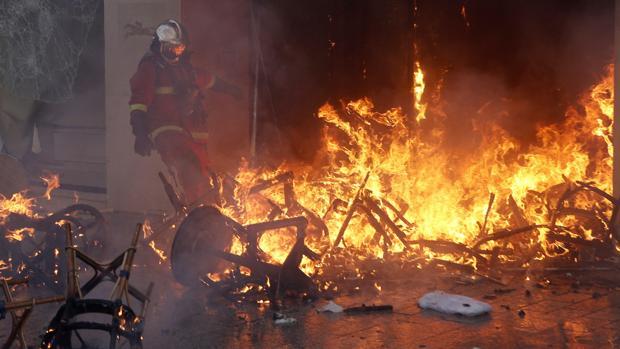Francia recurrirá a los militares para contener las protestas de los chalecos amarillos