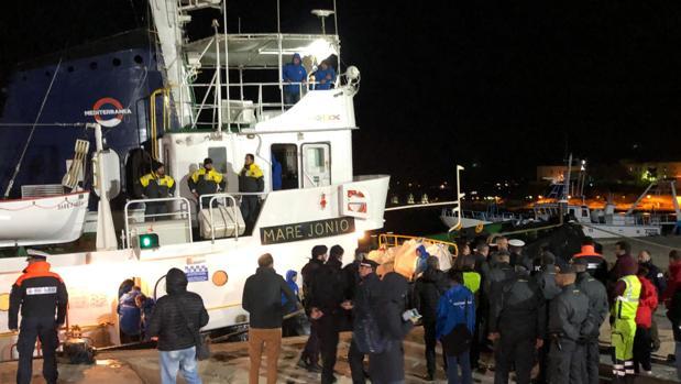 Secuestrada la nave italiana «Mare Jonio» tras desembarcar 49 inmigrantes rescatados en aguas libias