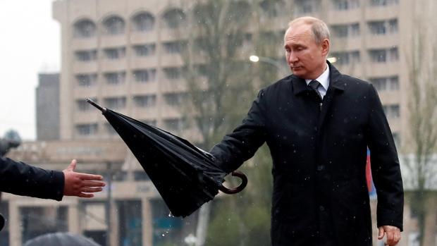 «Le Monde» rastrea la relación de Putin con movimientos ultras