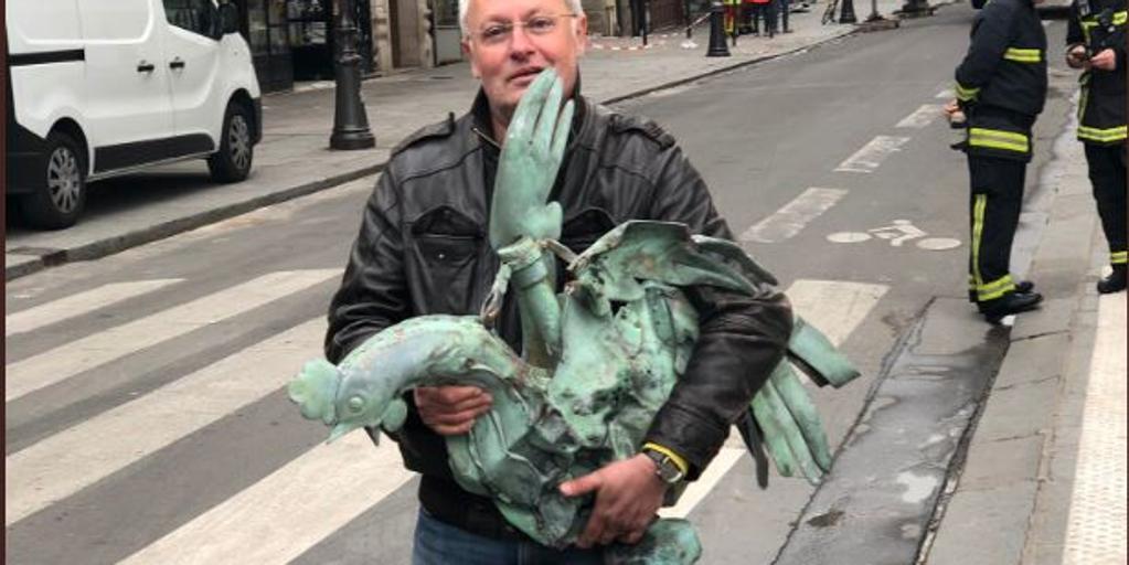 Milagro en Notre Dame: encuentran el gallo de la aguja de la catedral que guardaba tres reliquias
