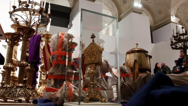 La estructura y la mayoría de las joyas de la catedral de Notre Dame sobreviven al incendio