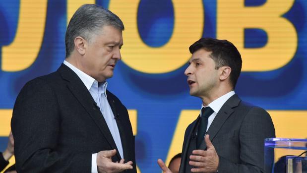 Debate celebrado hoy entre Poroshenko y Zelenski en el Estadio Olímpico de Kiev (Ucrania)