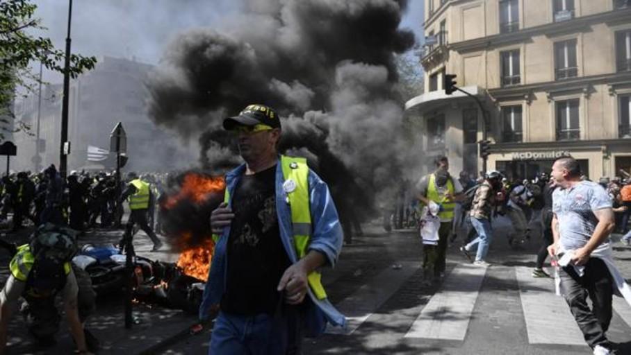 Tensión y violencia en París con la jornada XXIII de protesta de los chalecos amarillos