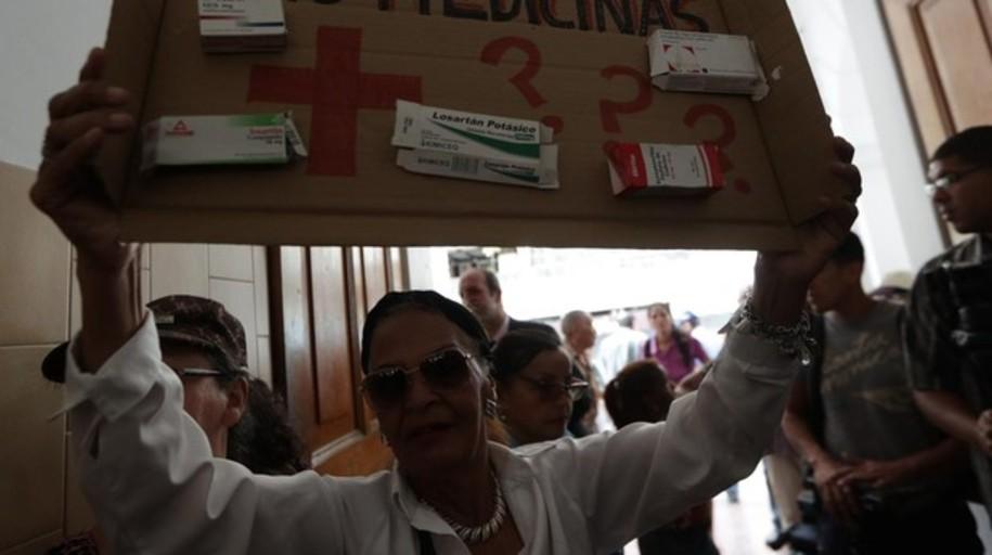 La ayuda humanitaria de la Cruz Roja se revende en las calles de Caracas