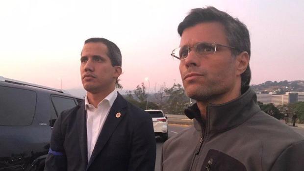 Venezuela, últimas noticias en directo: fuerzas leales a Guaidó capturan al responsable del arsenal militar del ejército venezolano