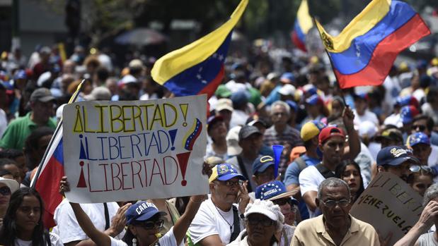 Venezuela, noticias de última hora en directo: Miles de personas secundan en las calles la Operación Libertad