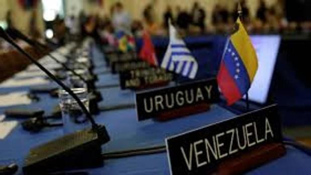 La OEA denuncia el apoyo de Rusia y Cuba a Maduro y estudia vías para intervenir
