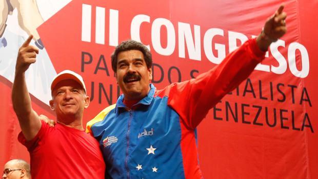 Hugo Carvajal, con Nicolás Maduro en una imagen de archivo