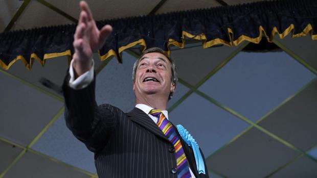 Nigel Farage, este lunes n un acto de campaña para las europeas en Pontefract, en el noroeste de Inglaterra